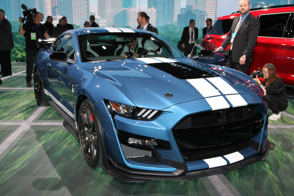 Mustang Shelby GT-500 2020 on fire   Autonexa
