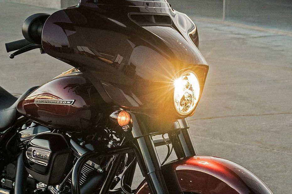 Harley Davidson Street Glide Special BS6 Specifications