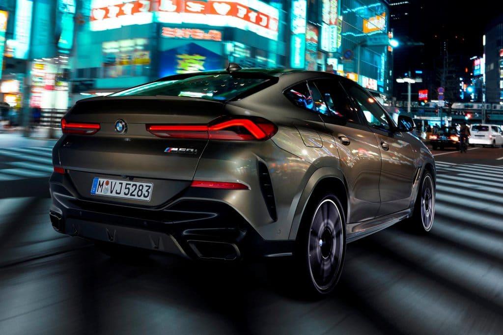 BMW X6 rear view image