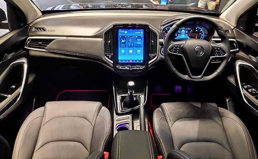 MG Hector Plus interiors