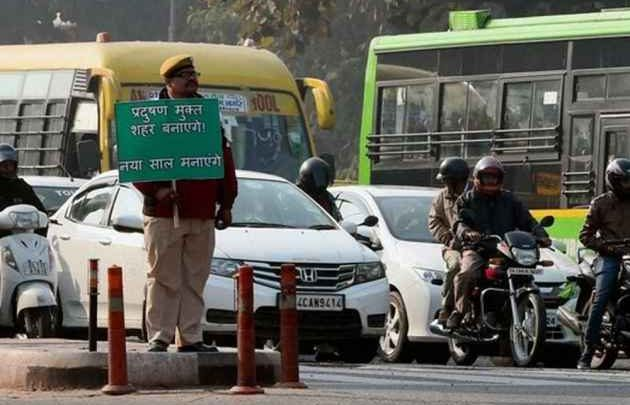 HSRP,High Security Registration Plate,High Security Number Plates,Colour Coded Stickers,car number plates,New cars,Delhi Police,Traffic Police Challan