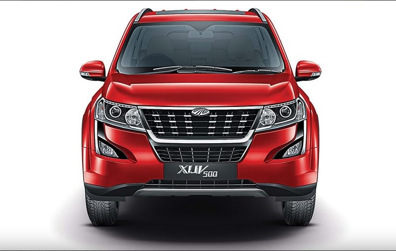 Mahindra XUV500 comes with a maximum discount offer of Rs. 59,000.