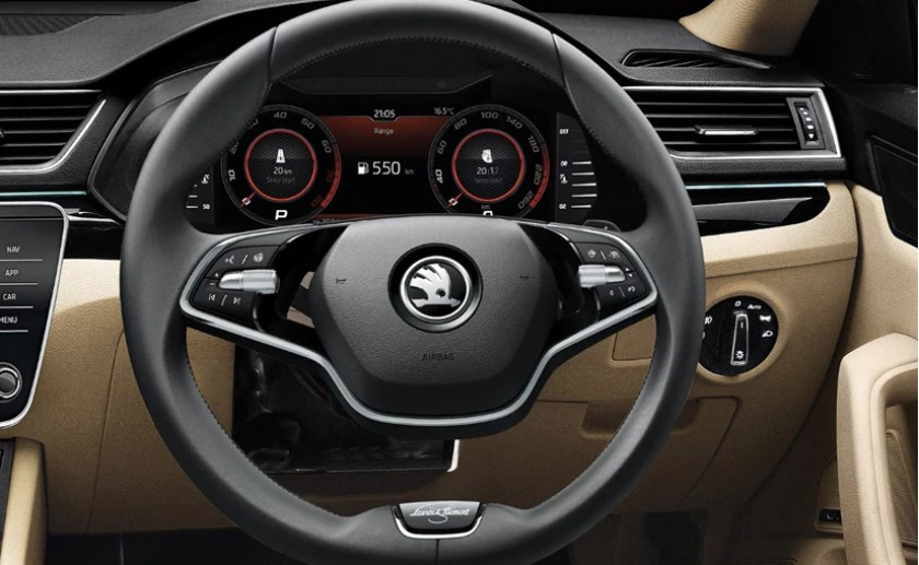 Skoda Superb two-spoke steering wheel on the L&K Variant