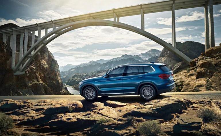BMW X3 Petrol xDrive30i can clock triple-digit in 6.3 seconds