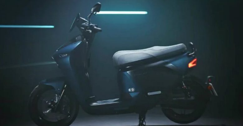 Yamaha electric scooter EC-05 is the result of partnership between Taiwanese manufacturer Gogoro