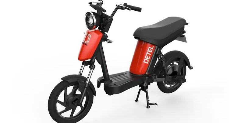 Detel Easy Plus electric bike in an all-white background