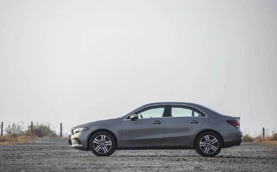 Mercedes-Benz A Class Limousine Side Profile