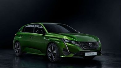 Olivine Green color Peugeot 308