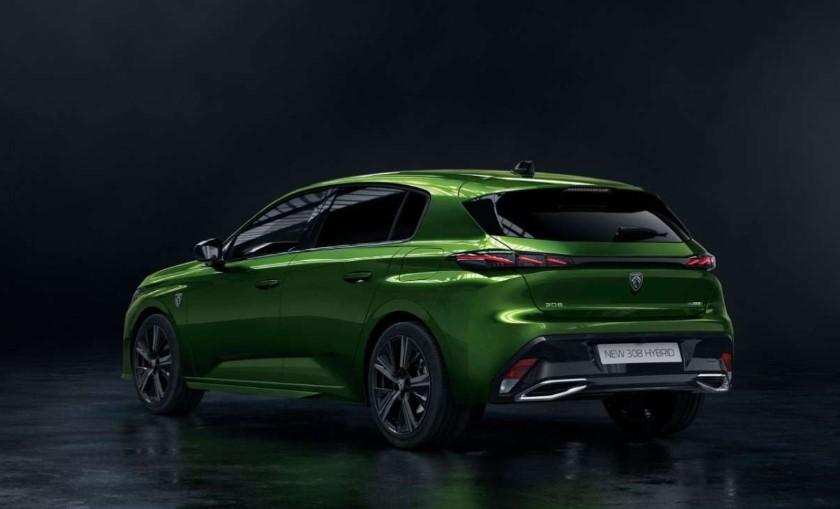 Green color Peugeot 308