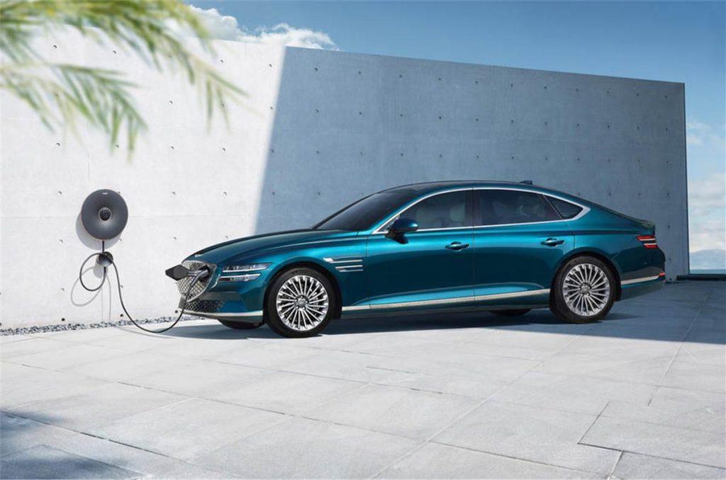 Genesis G80 electric car charging