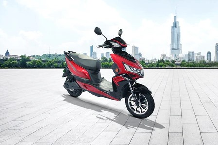 Best electric scooter in India Okinawa PraisePro