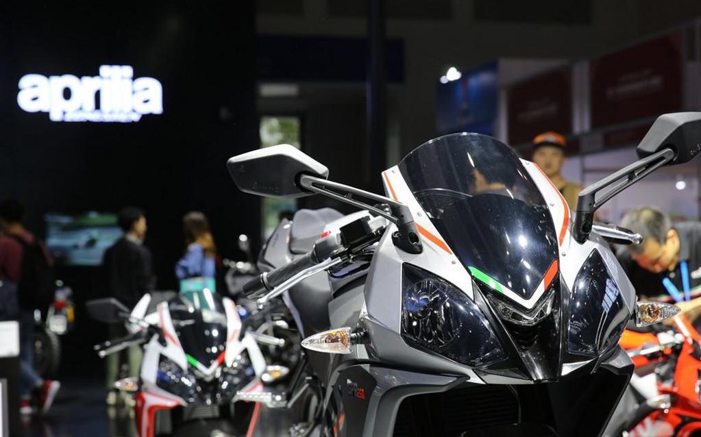 2021-Aprilia-GPR250R-Launched-in-China