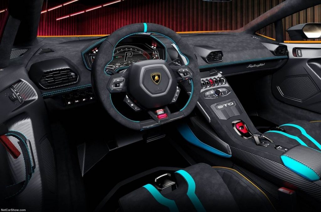 Lamborghini Huracan STO Interior