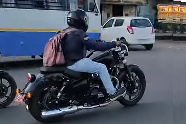 Royal Enfield Cruiser Spied