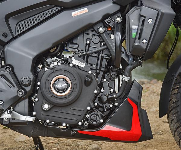 The 248 cc liquid-cooled single-cylinder engine